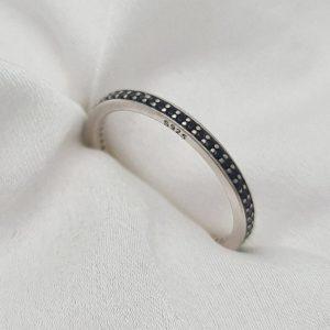 """טבעת כסף 925 """"לולו"""" משובצת אבני CZ שחור RZ429"""