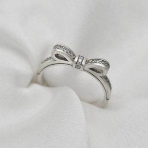 טבעת כסף 925 בשילוב פפיון