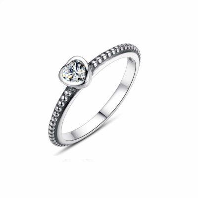 טבעת כסף 925 משולבת לב בשילוב זרקון שקוף RZ428