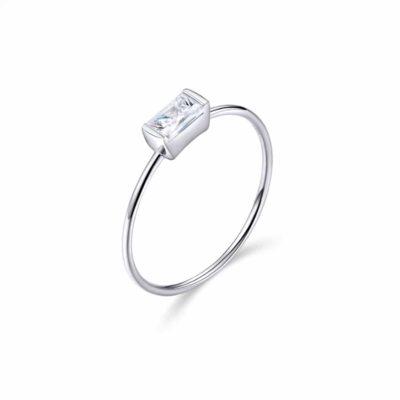 """טבעת כסף 925 """"מונטנה"""" בשילוב מלבן משולב קריסטל"""