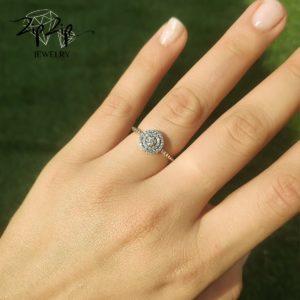 טבעת כסף 925 משובצת זרקונים וקריסטל בינוני RZ448