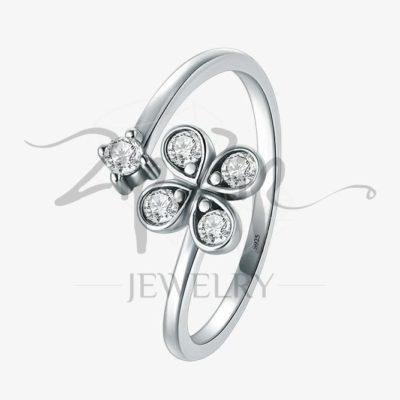 טבעת כסף 925 בשילוב תלתן משובץ וזרקון במידה גמישה