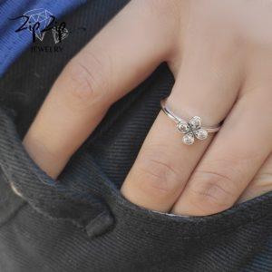 טבעת כסף 925 בשילוב תלתן מלא משובץ זרקונים