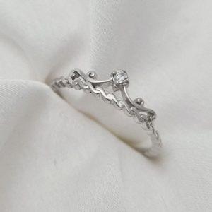 """טבעת כסף 925 """"קלואי"""" בשילוב כתר וזרקון RZ454"""