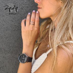 """שעון חגורה """"מייבו"""" סטיינלס סטייל שחור  תאריך"""