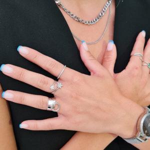 """טבעת כסף 925 """"אליס"""" משובצת חצי"""