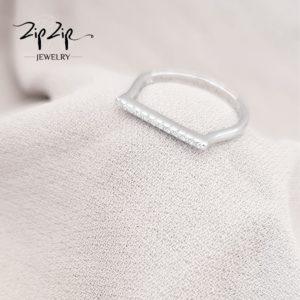 """טבעת כסף 925 """"מיאמי"""" פס משובץ"""