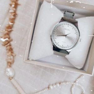 """שעון חגורה """"ליילה"""" סטיינלס סטיל כסף עיטור זרקונים"""