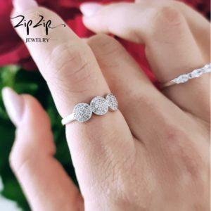 """טבעת כסף 925 """"ג'ולייט"""" שלשה עיגולים שיבוצים"""