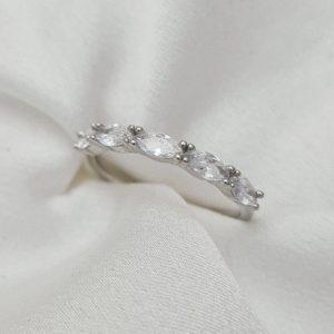 """טבעת כסף 925 """"לוריין"""" משובפת קריסטלים אליפסה"""