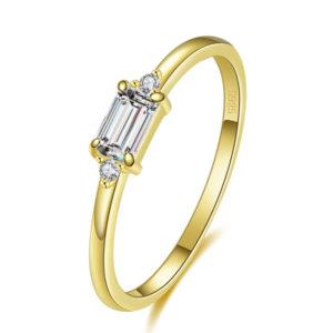 טבעת כסף 925 בציפוי זהב ''וונדי'' מלבן בגטים