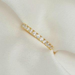 """טבעת כסף 925 בציפוי זהב """"נואל"""" גמישה שיבוץ גבוה"""
