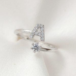 טבעת כסף 925 גמישה בשיבוץ אות A וזרקון