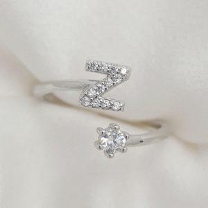 טבעת כסף 925 גמישה בשיבוץ אות  Z וזרקון